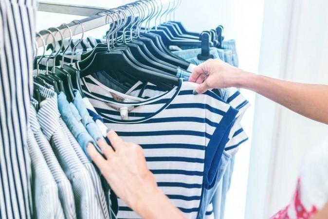Πώς να αγοράσετε ρούχα μέσω διαδικτύου